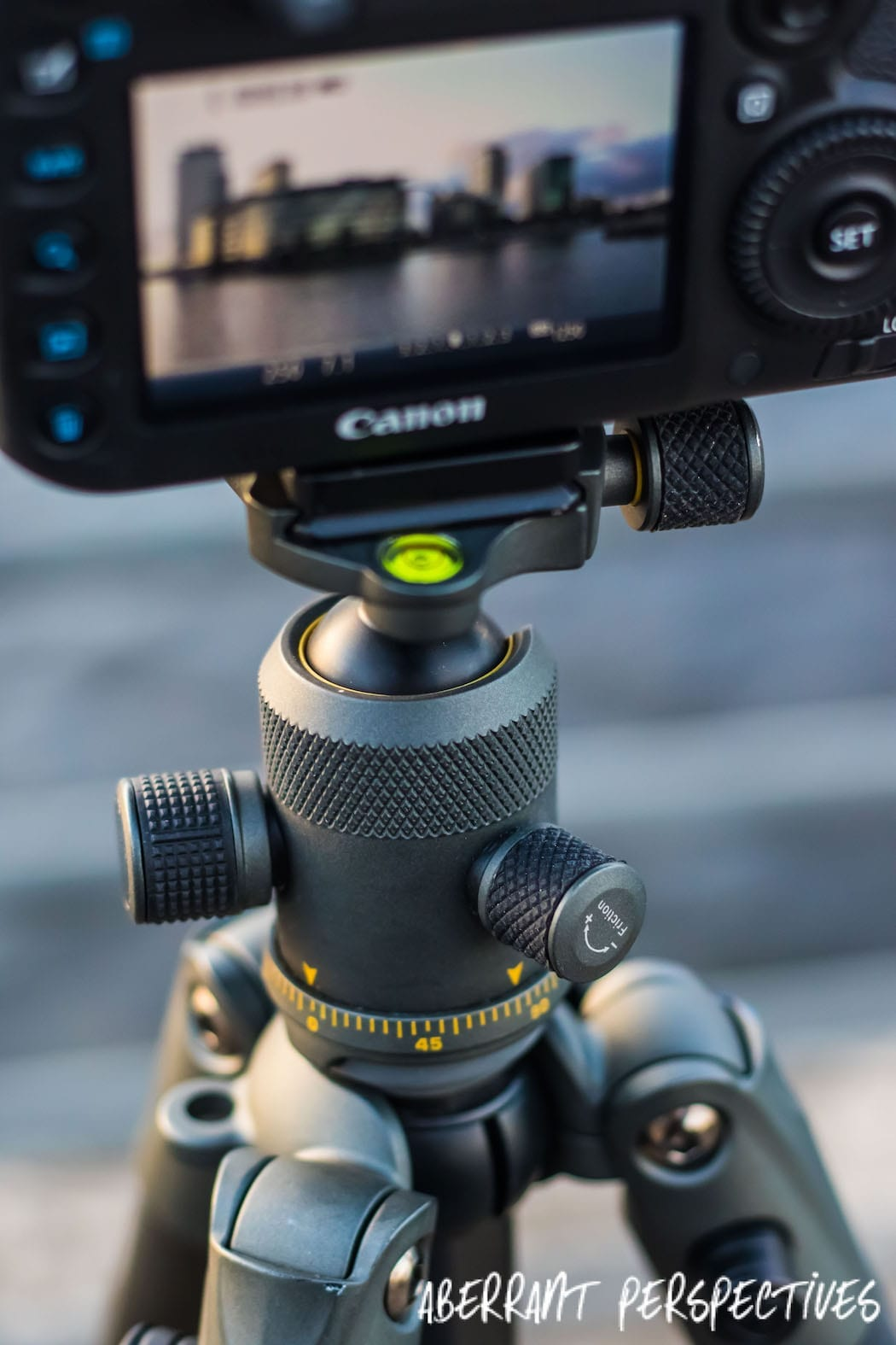 Tripod Review Vanguard VEO265CB 2